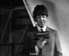 ¡Si eres McLennon shipper no dudes en entrar! Aquí encontraras fotos, vídeos, fanarts, etc. Si te gusta no olvides de votar y comentar.Créditos a sus respectivos dueños, ninguna obra me pertenece. [두 사람의 귀여운 사랑. Beatles Funny, Beatles Love, Great Bands, Cool Bands, The Quarrymen, John Lennon Paul Mccartney, All My Loving, Just Good Friends, We Will Rock You