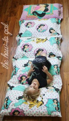 The How-To Gal: I Did It! Series: Pillow Pad from Twin Sheet | An actual tutorial on this