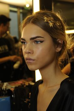 Behind the scenes and exclusive contents from the Dolce&Gabbana Women's Winter 2016 Fashion Show.  #dgmamma #dgfamily  www.dolcegabbana.com