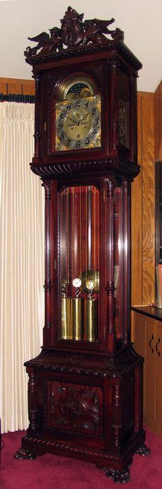 Reloj de pie de madera con campanas tubulares