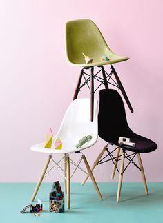 What chair are you? From the August 2015 issue of Inside Out magazine. Styling by Heather Nette King. Photography by Derek Swalwell.