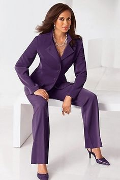 Convertible Collar Pantsuit from MetroStyle (via How To Look Classy, Look Chic, Suits For Women, Clothes For Women, Ladies Suits, Women's Suits, Ladies Clothes, Pant Suits, Interview Suits