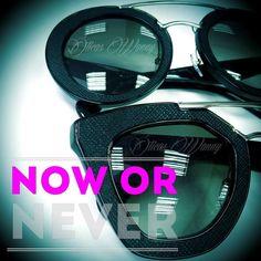 A coleção de #óculos da #Prada com detalhes em #couro combina muito bem com você que está sempre ligado na #moda  #intagramers das #oticaswanny