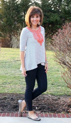 It's Day 13 of my 28 Days of Spring Fashion and today it's finally going to feel like spring. I'm down right giddy!