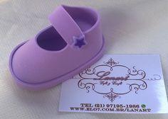 Porta doces numero 4 confeccionado em EVA em formato de sapatinho. Disponível em várias cores. Consulte disponibilidade de quantidade e cores.
