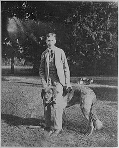 Franklin D. Roosevelt with Monk in Hyde Park, 1898 Past Presidents, Us History, Hyde Park, American Revolution, Four Legged, I Love Dogs, Famous People, Pup