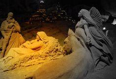 Valkenburg Caves | Magical Sand Sculptures: Christmas Valkenburg The Netherlands | Flickr ...