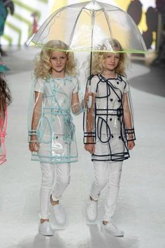 Twins in the rain Tween Fashion Catwalk Junior Fashion, Tween Fashion, Little Girl Fashion, Fashion 101, Fashion Wear, Trendy Fashion, Fashion Brands, Fashion Dresses, Amsterdam Fashion
