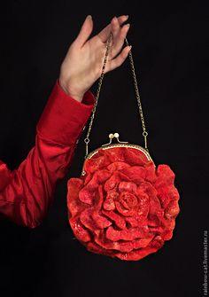 "Купить Сумочка валяная ""Алая роза"" - клатч валяный, клатч, сумка валяная, сумочка вечерняя"