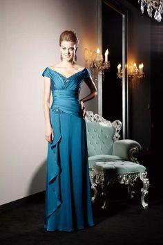 Jade Couture bei Jasmine ist beste Wahl für die Trauzeugin, Hochzeitsgäste, Brautmutter oder Schwiegermutter. Kollektion 2013 bei ANNA MODA in Köln am Neumarkt.