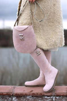 only in pink Leather Bags Handmade, Handmade Bags, Boot Over The Knee, Woolen Clothes, Felt Boots, Wool Shoes, Fancy Shoes, Felted Slippers, How To Make Shoes
