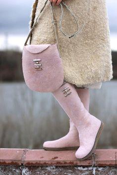 """Купить Комплект """"Перламутр"""" - кремовый, бежевый, розовый, перламутровый, розовые валенки, бежевые валенки"""