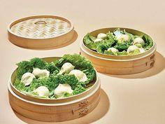 The Best Way to Improve Homemade Dumplings? A Bamboo Steamer — Saveur Best Dumplings, Steamed Dumplings, Homemade Dumplings, Chinese Dumplings, Dumpling Dough, Dumpling Recipe, Appetizer Dishes, Appetizer Recipes, Cheese Appetizers