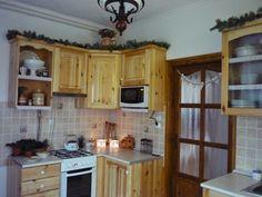 Házból otthon: Kreatív sarok Kitchen Cabinets, Home Decor, Decoration Home, Room Decor, Kitchen Cupboards, Interior Design, Home Interiors, Kitchen Shelves, Interior Decorating