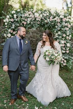 Allure Bridals is one of the premier designers of wedding dresses, bridesmaid dresses, bridal and formal gowns. Wedding Photography Poses, Wedding Poses, Wedding Attire, Wedding Bride, Bouquet Wedding, Wedding Flowers, Plus Size Brides, Plus Size Wedding Gowns, Fat Bride