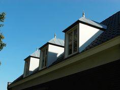 Net wat ruimte tussen de goot en dakkapel Net, Mansions, House Styles, Home Decor, Mansion Houses, Room Decor, Villas, Luxury Houses, Home Interior Design