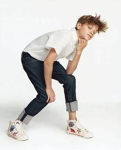 #RomeoBeckham strikes a pose for #VogueMe , always #cameraready. To the #young and #unstoppable. @brooklynbeckham @victoriabeckham @davidbeckham #beckham  #罗密欧 #贝克汉姆 的镜头感与生俱来,潇洒动作定格在Vogue Me最新大片中。  Photographer: Oliver Hadlee Pearch (@oliverhadleepearch )  Stylist: Daniela Paudice (@danielapaudice)