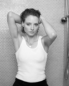 Indy Pendent Thinking — Jodie Foster (via. Jodie Foster, Gorgeous Women, Amazing Women, Beautiful People, The Fosters, Celebs, Celebrities, Best Actress, Belle Photo