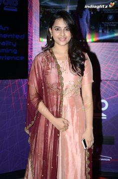 Sri Divya Beautiful Girl Indian, Beautiful Saree, Beautiful Indian Actress, South Indian Actress Photo, Indian Actress Photos, Indian Natural Beauty, Indian Beauty Saree, Sarees For Girls, Indian Bridal Sarees