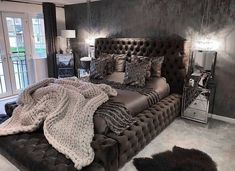 20 tips will help you improve the environment in your bedroom decoration salon decoration interieur maison Glam Bedroom, Stylish Bedroom, Home Decor Bedroom, Modern Bedroom, Master Bedroom, Bedroom Bed, Classy Bedroom Ideas, Girls Bedroom, Bedroom Decor Master For Couples