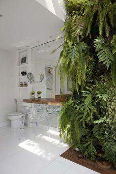 Green Wall In Bathroom