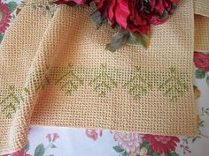 Miss Abigail's Hope Chest: Tutorial - Modified Swedish Weaving