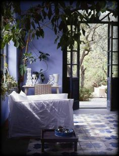 the periwinkle cottage . Pantone, Interior And Exterior, Interior Design, Periwinkle Blue, Periwinkle Bedroom, Color Blue, Color Of The Year, Decoration, Beautiful Homes