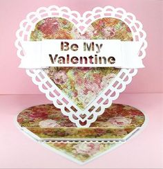 Free pattern for Heart Easel card!  It stands up like this, but also folds flat so you can out it in an envelope for your Valentine.