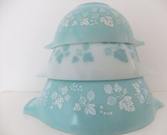 Pyrex mixing bowls - pale blue