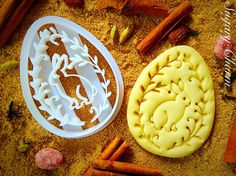 Bunny in the egg shape cookie cutter. A perfect addition for the Easter. Buy this Egg Bunny Cookie Cutter from Sugary Charm. No Egg Cookies, Easter Cookies, Holiday Cookies, Cookies Et Biscuits, Sugar Cookies, Cocina Shabby Chic, Easter Cookie Cutters, Cooking Cookies, Stencils