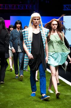 Singapore Fashion, Fashion Brand, Night Out, Runway, Fabric, Shopping, Collection, Dresses, Cat Walk