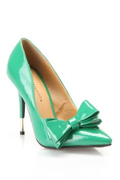 Kelly Green Bow Pumps / Wild Diva