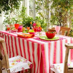 How to make a box-pleat tablecloth | Craft projects for the bank holiday weekend | Craft ideas | PHOTO GALLERY | Housetohome