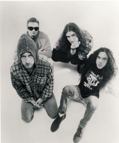 Alice In Chains - Mike Inez replaces Mike Starr in 93