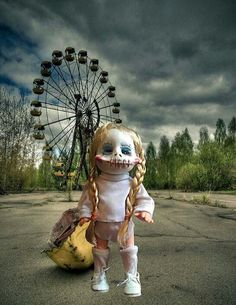 Scary doll by CrackedbrainCreations