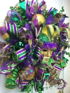 How to make a Deco Mesh Mardi Gras Wreath | Learn To Make Deco Mesh Wreaths — A perfect wreath made by YOU