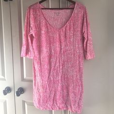 Lilly Pulitzer Hot Pink Printed Day Dress Lilly Pulitzer Hot Pink Printed Day Dress, worn once, like new, 100% cotton. Super cute and perfect as a beach cover up. Lilly Pulitzer Dresses