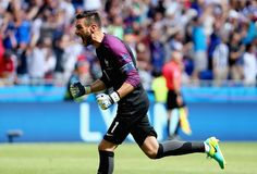 Snapshot: Hugo Lloris – My Heart Beats Football