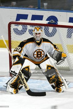 Goalie Pads, Goalie Gear, Hockey Goalie, Hockey Games, Field Hockey, Hockey Players, Ice Hockey, Boston Bruins Goalies, Hockey Room