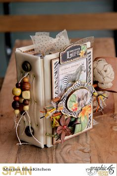 Mini album Safari Adventure by Marina Blaukitchen, Product by Graphic 45