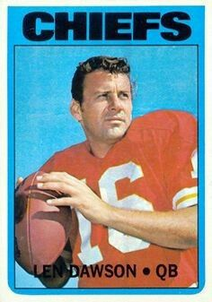 1972 Topps Football Cards Value Nfl Football Players, Kansas City Chiefs Football, Football Memorabilia, Football Trading Cards, Football Cards, Baseball Cards, New Nfl Helmets, Phil Simms, American Football League