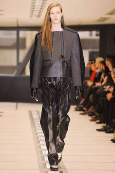 Runway Fashion 2012. #runway #fashion #2012 http://buzznet.com/~g93d61d