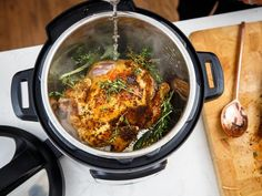 Instant Pot recipes everyone should know: Hard-boiled eggs, rotisserie chicken cake bread and more - CNET Hard Boiled Egg Recipes, Making Hard Boiled Eggs, Instant Pot Pressure Cooker, Pressure Cooker Recipes, Pressure Cooking, Entree Recipes, Beef Recipes, Recipies, Olive Garden