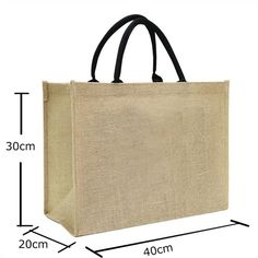 Canvas Bags model is produced with a simple design has a large carrying capacity. Canvas Bags by a maximum carrying, capacities of 20 kg is very convenient to shopping. The main purpose of this kind of bag is to reduce use of plastic pocket. Creation Couture, Jute Bags, Fabric Bags, Canvas Fabric, Bag Patterns To Sew, Simple Bags, Cotton Bag, Cloth Bags, Canvas Tote Bags