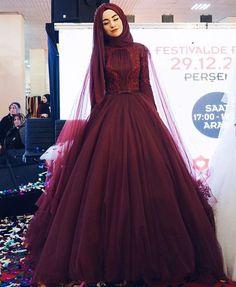 "Instagram'da  hijab style icon : "" @gonulkolatsusam ♡♡♡♡♡♡♡♡ #tesettur#hijabfashion #hijabstyle #hijabbeauty #winter #beautyblogger #hijabstyleicon #beauty…"""