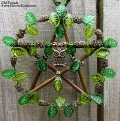 love the green & owl Crafts To Do, Arts And Crafts, Craft Font, Wiccan Crafts, Pagan Art, Pentacle, Book Of Shadows, Witchcraft, Wind Chimes