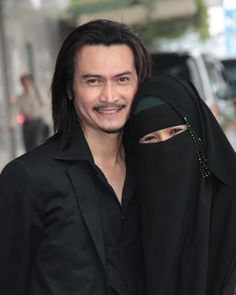 New wedding couple muslim fundraising Ideas Cute Muslim Couples, Romantic Couples, Wedding Couples, Cute Couples, Couple Musulman, Swirl Dating, Muslim Family, Religion, Poor Children