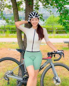 Lady Biker, Sport Girl, Pretty Girls, Wetsuit, Capri Pants, Sporty, Swimwear, Asian, Women