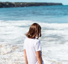 Back to basics: Ethical and sustainable white t-shirts you can wear with everything Bamboo T Shirts, Linen Tshirts, Back To Basics, Cool Necklaces, Green Shirt, White Tees, Cover Photos, Super Easy, Layering