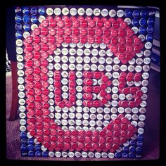 awesome bottle cap craft- I want to make this! (or buy it if it's easier haha) defiantly be tigers tho Bottle Top Art, Bottle Cap Table, Beer Bottle Caps, Bottle Openers, Bottle Cap Projects, Bottle Cap Crafts, Diy Bottle, Beer Cap Crafts, Cork Crafts